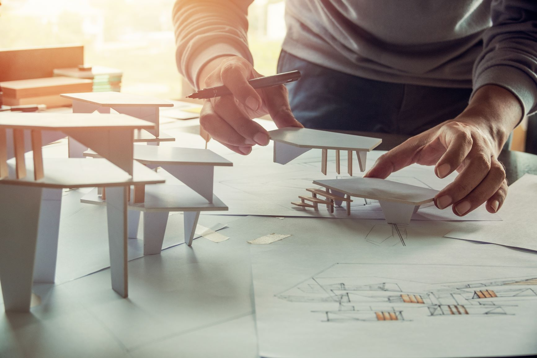 Architekturmodell wird vermessen und aufgebaut